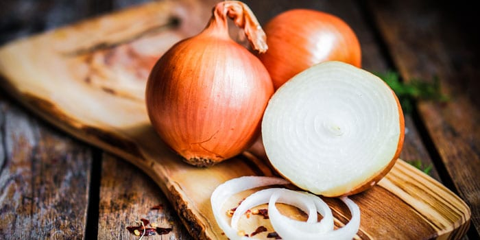 Health Benefits of Onions (and a free recipe e-book)
